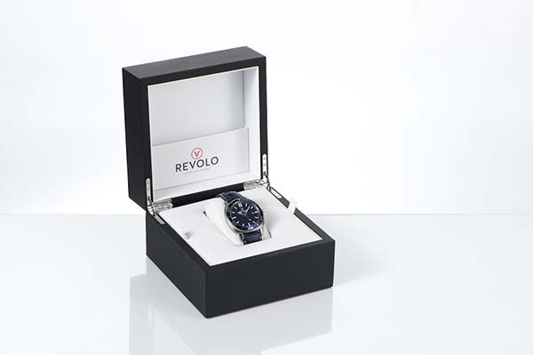 Revolo packaging